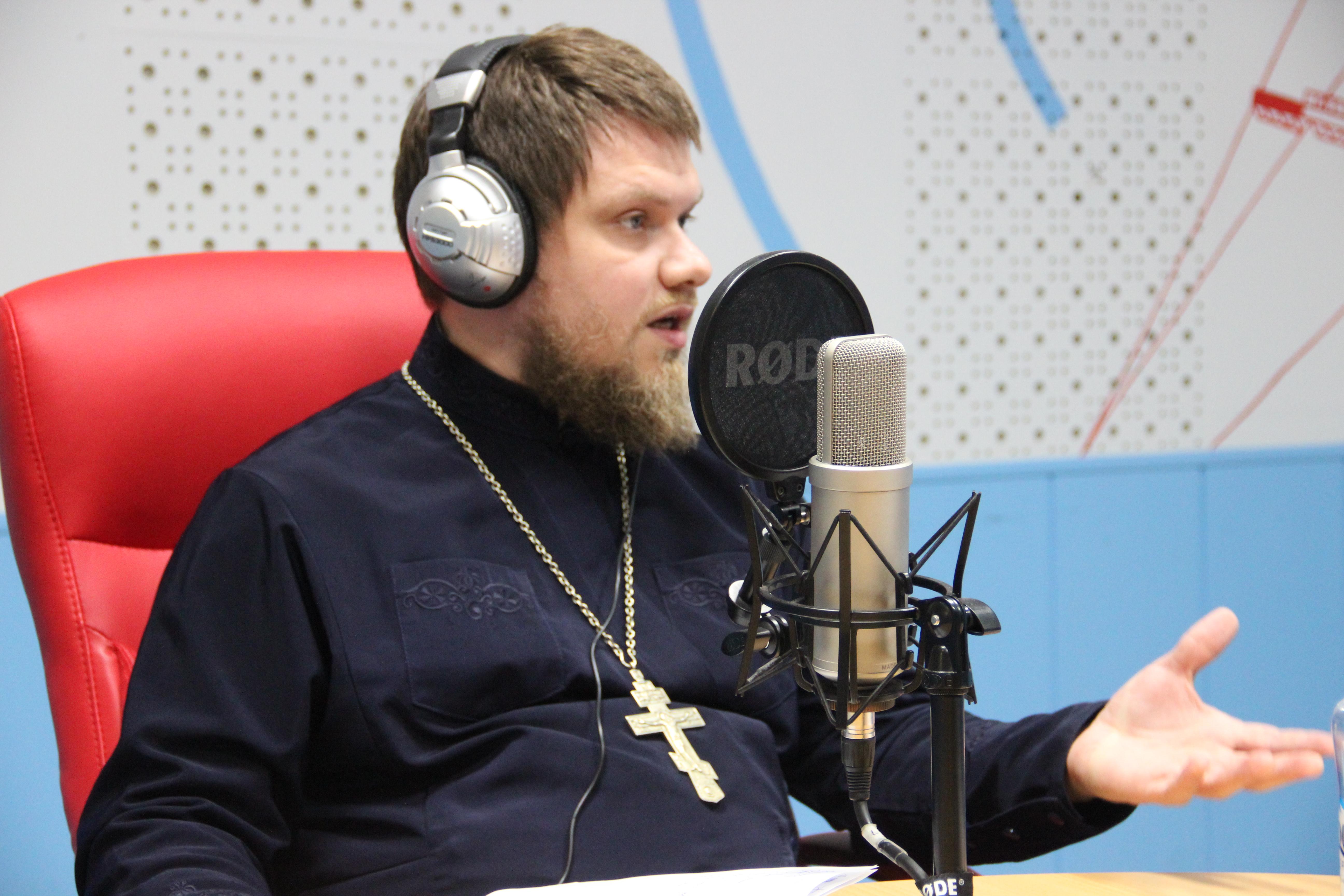 Отец Игорь выступил в прямом эфире